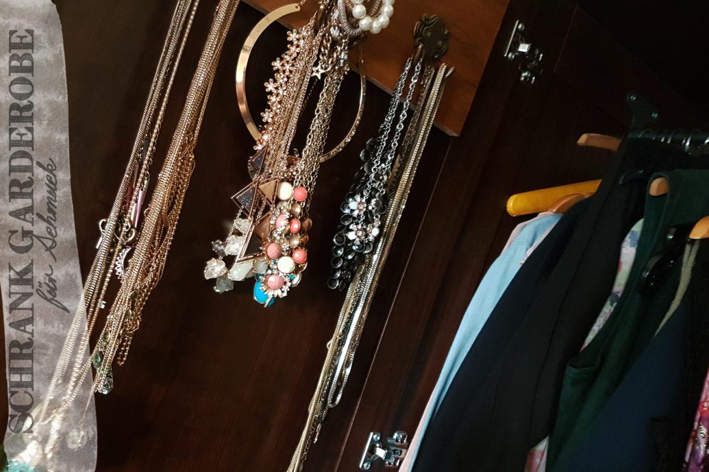 diy schrank garderobe f r schmuck und accessoires. Black Bedroom Furniture Sets. Home Design Ideas